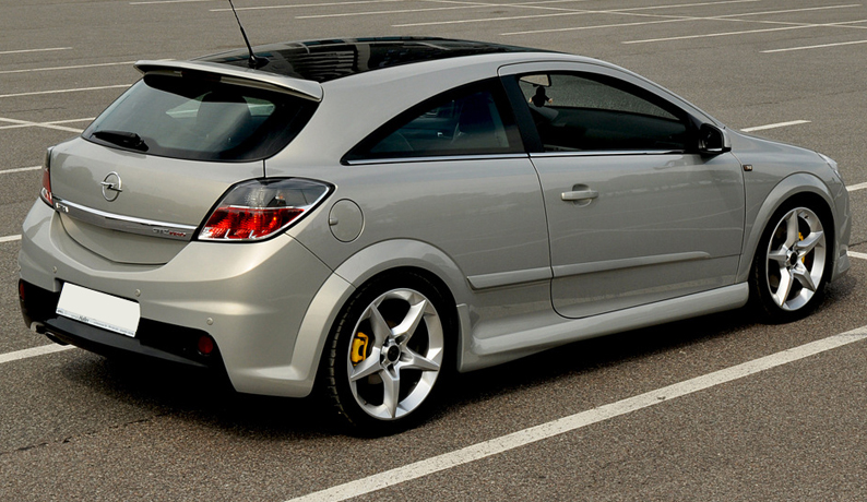 vauxhall opel astra h gtc opc look side skirts. Black Bedroom Furniture Sets. Home Design Ideas